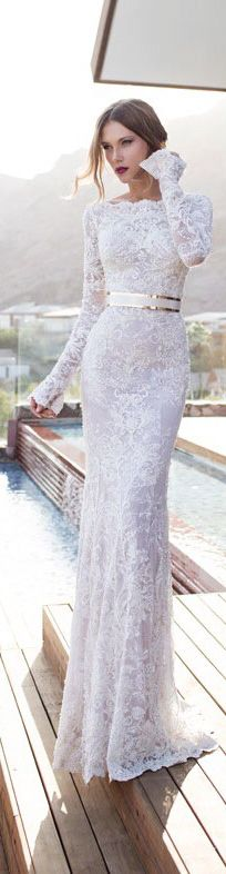 The Millionairess of Pennsylvania: Julie Vino OMG gorgeous classy lace gown!!