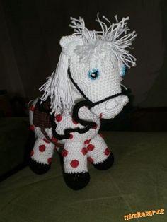 konik Crochet Yarn, Crochet Toys, Yarn Images, Spongebob, Free Pattern, Snoopy, Teddy Bear, Christmas Ornaments, Knitting