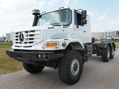 What a beauty: Mercedes Zetros 2733-A, 6x6 heavy duty truck chassis!