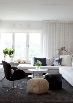 black and white living room from Camilla Spång Inredning