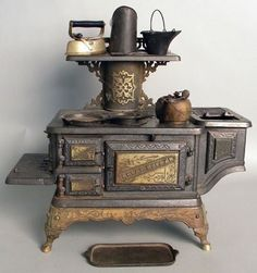 Cast iron Royal Esther toy stove by the Mt. Penn Stove Works