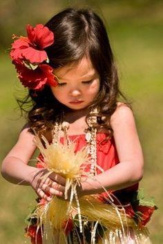 Mini hula dancer