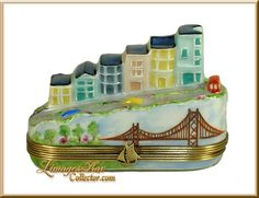 San Francisco Street & Golden Gate Bridge Limoges Box by Beauchamp Limoges, 1000s of Limoges boxes www.LimogesBoxCollector.com