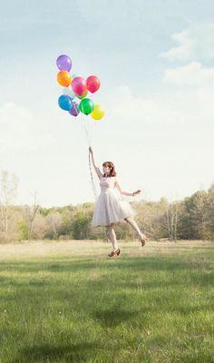 Float away looking all cute? Cute Photos, Baby Photos, Cool Pictures, Beautiful Landscapes, Beautiful Images, Happy D, Super Cute Dresses, Latex Balloons, Light Painting