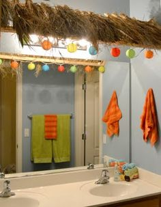 Love this, but think I could achieve the effect with two tension rods and a grass skirt.  Cute for a preteen/teen bath.