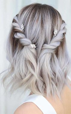 Stunning wedding hairstyle for 2019 summer weddings. For curly hair, long hair, bob hair etc you will find best braided hairstyle for yourself. Bohemian Hairstyles, Summer Hairstyles, Hairstyles With Bangs, Braided Hairstyles, Indian Hairstyles, Bohemian Hair Updo, Bohemian Updo Wedding, Short Hairstyles For Wedding Bridesmaid, Short Hair Wedding Styles