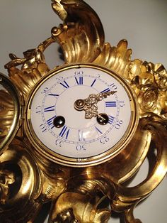 Cartel d'Alcôve en Bronze XIXe, style Louis XV French Clock, Style Louis Xv, Bronze, Objet D'art, Alcove, Display, Clocks, Poster, Trumpet Instrument