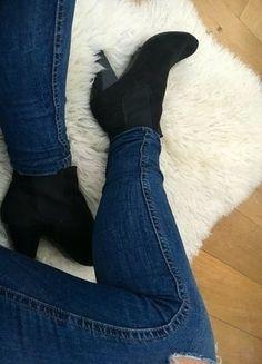 Kaufe meinen Artikel bei #Kleiderkreisel http://www.kleiderkreisel.de/damenschuhe/stiefeletten/136686788-schwarze-ankleboots-stiefeletten-chelseaboots-von-hm