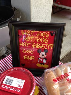 Mickey Mouse birthday party idea for hot diggity dog bar