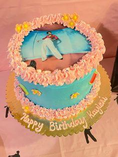 Harry Styles Birthday, Harry Birthday, 22nd Birthday, Birthday Parties, Pretty Cakes, Cute Cakes, Sweet 16 Birthday Cake, Its My Bday, Christmas Cooking