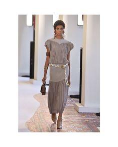 fb56bf0466 15 Best Chloé Spring Summer 2019 Runway images | Chloe, Fashion ...