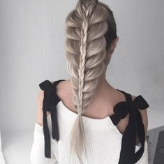 30+ No-Heat Updos You'll Be Obsessed With This Summer