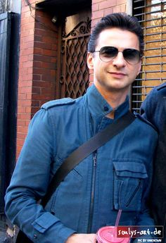 no ordinary love, no ordinary love♡ Sexy, handsome, alluring Dave Gahan. I WANT EAT HIM!