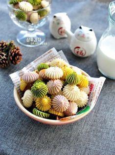 설날선물로 좋아! 밀가루 필요없는 달콤한 상투과자 만들기(+영상) : 네이버 블로그 Thai Dessert, Korean Sweets, Korean Food, Tasty, Yummy Food, Bakery Design, Asian Desserts, Rice Cakes, Aesthetic Food