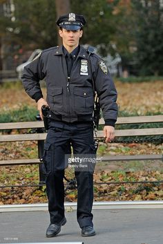 Will Estes filming on location for 'Blue Bloods' on November 2012 in New York City. Cop Uniform, Police Uniforms, Men In Uniform, Police Officer, Blue Bloods Jamie, Blue Bloods Tv Show, Jamie Reagan, New York City, Hot Cops