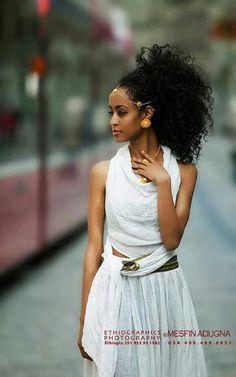 Ethiopian Dress, like the outfit looks comfortable. Ethiopian Beauty, Ethiopian Dress, African Beauty, African Women, African Fashion, Beauty Book, Hair Beauty, Beautiful Black Women, Beautiful People