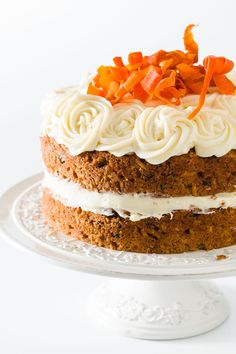 Homemade carrot cake that's incredibly moist and topped with pineapple with decadent cream cheese frosting! The best from-scratch cake recipe. This is a must-try carrot cake for carrot dessert lovers! Homemade Carrot Cake, Moist Carrot Cakes, Best Carrot Cake, Mini Carrot Cake, Pineapple Cupcakes, Carrot Cake With Pineapple, Pineapple Coconut, Pineapple Cream Cake Recipe, Carrot Cake Decoration
