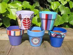Idea Of Making Plant Pots At Home // Flower Pots From Cement Marbles // Home Decoration Ideas – Top Soop Flower Pot Art, Flower Pot Design, Flower Pot Crafts, Clay Pot Crafts, Flower Vases, Diy Crafts, Painted Clay Pots, Painted Flower Pots, Hand Painted Ceramics