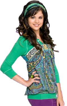 Selena Gomez as Alex Russo in Wizards Of Waverly Place. (Wizards Of Waverly Place photo shoot. Selena Gomez Cute, Selena Gomez Outfits, Cute Celebrities, Celebs, Modest Outfits, Cool Outfits, Alex Russo, Wizards Of Waverly Place, Marie Gomez