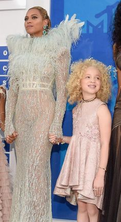 Ava Clarke and Beyoncé shine on the VMA red carpet.