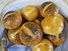 Poppyseed rundstykker (little buns)