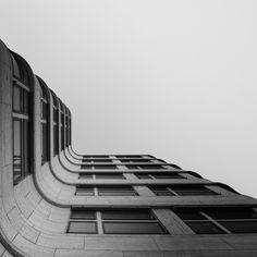 staringatbuildings_berlin-3.jpg