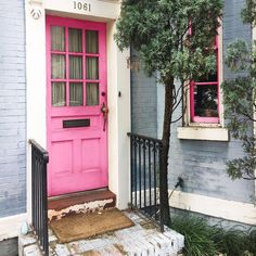 Pink doorsteps always leave you smiling!
