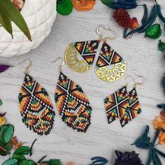 Seed Bead Jewelry, Seed Bead Earrings, Seed Beads, Beaded Jewelry, Boho Jewellery, Jewellery Making, Jewelery, Peyote Beading Patterns, Beaded Earrings Patterns