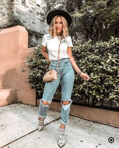 casual spring outfit | Spring Style | Spring Fashion | Women's Style | Style Inspiration | Spring Trends | Fashion Inspiration | OOTD | Outfit Inspiration | Blogger Style | Summer Trends | Summer Style | Summer Fashion