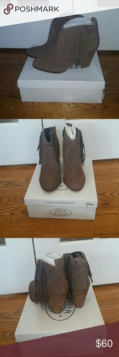 NEW brown Steve Madden fringe heel booties size 9 New in box Steve Madden taupe/ brown fringe booties.  Size 9.  Very fun and chic.  Box is a tiny bit beat up where it was stacked in my closet, but shoes have been wrapped in plastic, beautiful! Steve Madden Shoes Ankle Boots & Booties