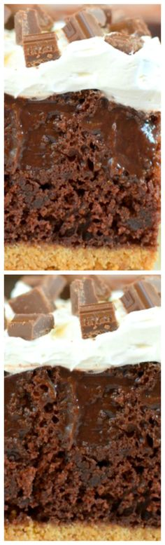 Chocolate S'mores Pudding Cake ~ A graham cracker crust, chocolate pudding, and a marshmallow topping give this cake a complete S'mores taste. Perfect summer time dessert without a campfire mess (baking recipes cupcakes graham cracker crust) Chocolate Cake Icing, Chocolate Caramel Cookies, Chocolate Pudding, Chocolate Recipes, Baking Recipes Cupcakes, Poke Cake Recipes, Dessert Recipes, Easy Desserts, Delicious Desserts