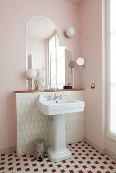 - Classic bathroom style has been widely used for decades. There are a lot of families who like designing a classic bathroom - this style is not out of . Classic Bathroom, Modern Bathroom, Small Bathroom, Bathroom Ideas, Minimalist Bathroom, Bathroom Organization, Bathroom Designs, Bathroom Renovations, Ikea Bathroom