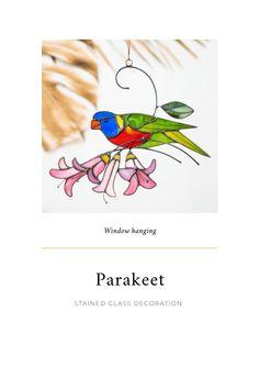 #stainedglassart #homedecorideas #parakeet #birdartist #suncatchers #gardendesignideas #gardendecoration #homedecorlivingroom #gardendecordiyideas