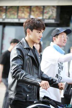 Korean Celebrities, Korean Actors, Jin Goo, Korean Drama Movies, My One And Only, Actor Model, Kdrama, Boyfriend, Leather Jacket