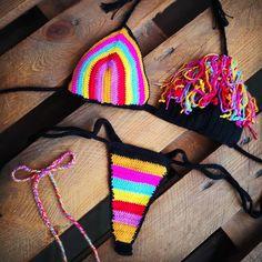 Simplemente lindo patrón de bikini de ganchillo gratis para 2019; bikini tejido; bikini tejido crochet; bikini tejido patrones  #bikinis #bikinitops #puntodecruz #manualidades #tejidos #ganchillo #lana #punto #patchwork #artesanias #patrones Crochet Bra, Crochet Bikini Pattern, Crochet Clothes, Crochet Patterns, Fashion Addict, Fashion Models, Bikini Fashion, Macrame, Swimsuits