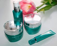 NovAge True Perfection Oriflame косметика для лица 20+