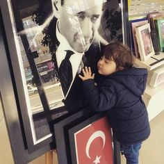 Sevgi Turkish Army, The Turk, Great Leaders, Famous Places, Types Of Food, World History, Body Weight, Mom And Dad, Parenting