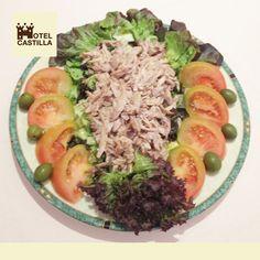 Uno de nuestros platos estrella; Ensalada de Perdiz, rico, rico...