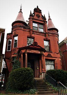 Red Victorian. Louisville