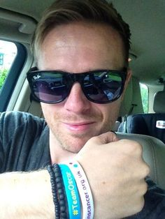 Hey look what arrived in my PostBox today ! Thanks to @Wee_oscar .. You gotta get one, all the cool kids have em ! Photo - Nicky Byrne | Lockerz @http://pics.lockerz.com/s/236514301