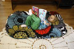 Finnish living: Marimekko Siirtolapuutarha floor pillow. #finland #home #marimekko