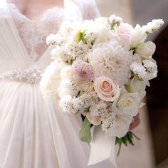 Il bouquet sposa che viene dal freddo: bianco d'inverno - Matrimonio .it : la guida alle nozze. Guarda altre immagini di bouquet sposa: http://www.matrimonio.it/collezioni/bouquet/3__cat