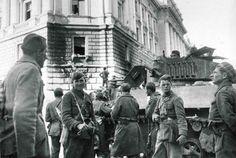 Ingresso a Trieste della IV armata jugoslava.JPG