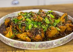 This Korean Chicken recipe is easy but tasty. Ginger, gochujang chilli paste, mint, and coriander combine to create a fab dish that is ready in minutes! Casserole Recipes, Soup Recipes, Vegetarian Recipes, Chicken Recipes, Cooking Recipes, Chicken Ideas, Cooking Videos, Korean Chicken, James Martin
