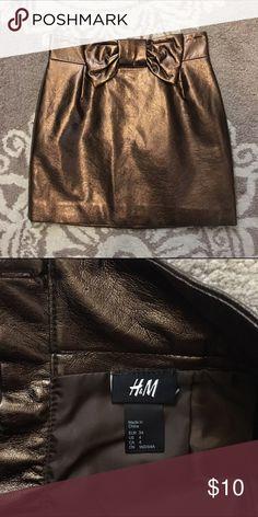 HM Metallic Skirt Adorable metallic HM skirt H&M Skirts Mini