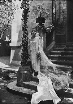 Mme Raymond Corone, 1924