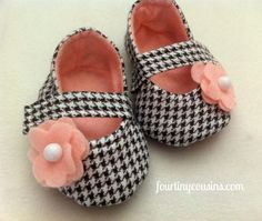 Baby Girl Shoes. My baby girl will have houndstooth. No not because I'm an Alabama fan, because every lady should dress in houndstooth.
