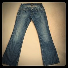 Lucky Brand Jeans women's SZ 2 EUC!!! Lucky Brand Jeans women's SZ 2 adorable pair with distressed spots on back pocket and hip med wash in perfect condition!!! Lucky Brand Jeans Boot Cut