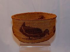 Indian Baskets - CA - KLAMATH - MODOC - 'Rare Modoc / Klamath PICTORIAL Basket With Two Mother Ducks and Four baby ducklings ' - Len Wood's Indian Territory
