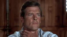 The Man with the Golden Gun (1974 ) Roger Moore, James Bond